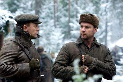 Moi ça m'aurait pas dérangée de me planquer dans les bois avec Liev Schreiber