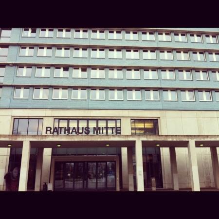 ça c'est la mairie de Mitte (c'est un quartier, pour tous les ignorants)